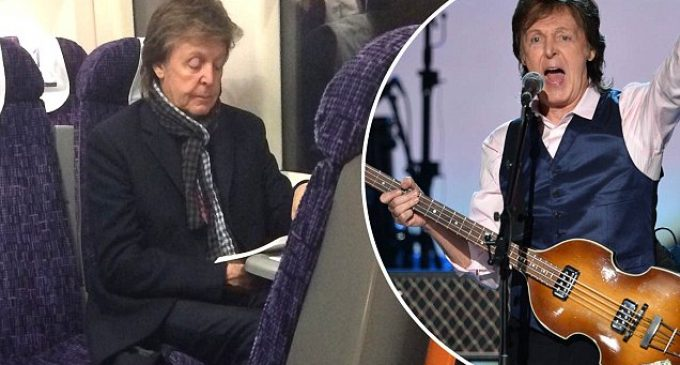 Sir Paul McCartney spotted on casual train ride | Daily Mail Online