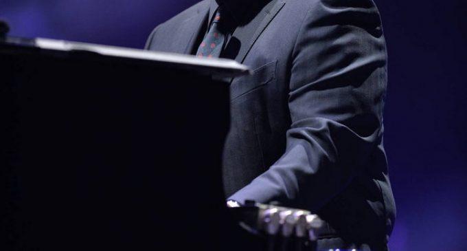 Billy Joel guest DJing The Beatles radio channel – TV3 Xposé