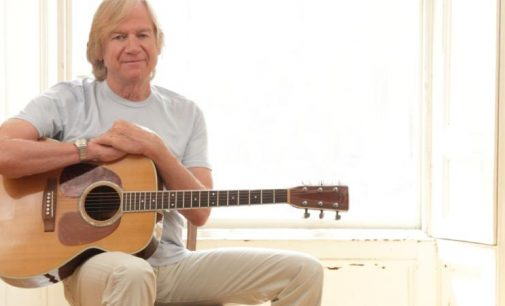 """Justin Hayward: """"The Beatles were moving so fast – the rest of us were just trying to keep up !"""" – Photo 1 of 1 – LeaderLive"""