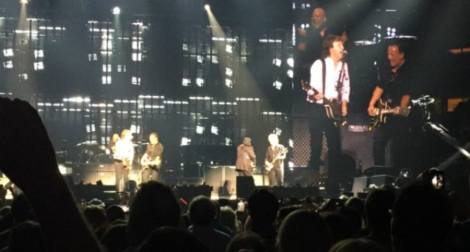 """Paul McCartney & Bruce Springsteen Perform """"I Saw Her Standing There"""" Twice At MSG: Gothamist"""