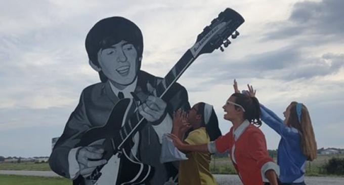 George Harrison Commemorative Mural – Benton, Illinois – Atlas Obscura