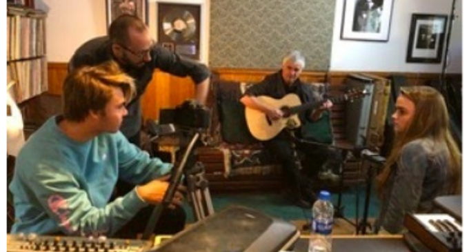 Preparing for gala: CCA on location with two-time Grammy-winning guitarist Laurence Juber – Rancho Santa Fe Review