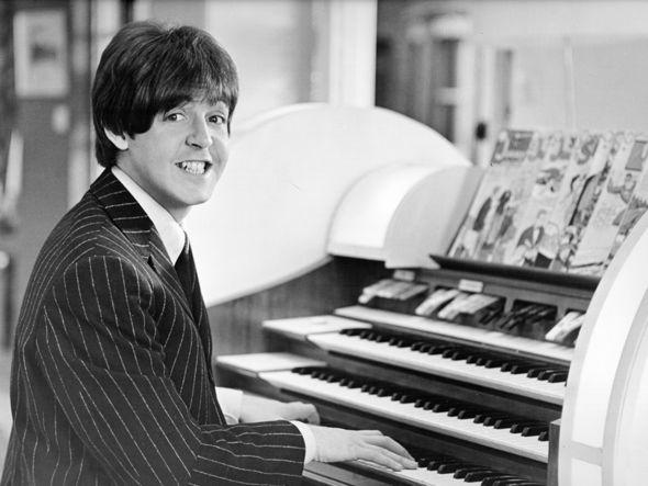 paul mccartney playing piano