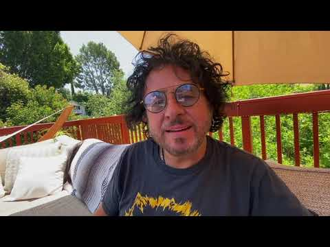 Steve Lukather and David Paich Chat Toto And New Projects On Apple Music Hits '80's Radio With Huey Lewis « American Songwriter