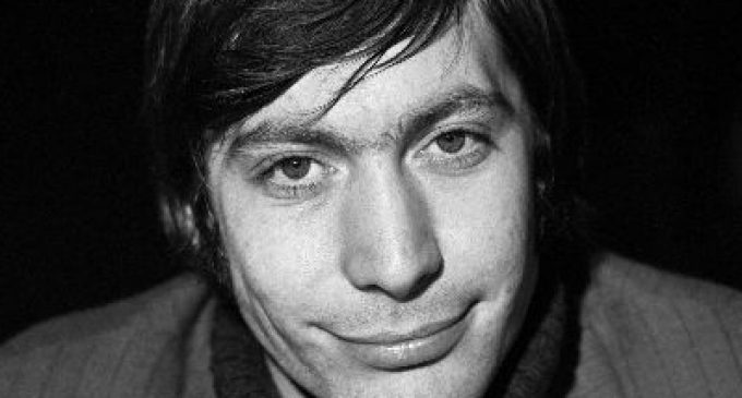 """Elton John, Ringo Starr, Paul McCartney & Others Join Bandmates in Honoring Charlie Watts' Legacy As """"The Heartbeat of Rock & Roll"""" – American Songwriter"""